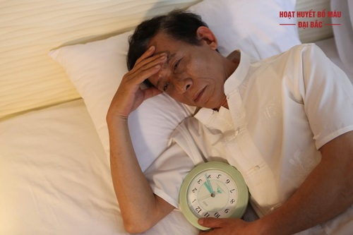 Cách trị mất ngủ tuổi trung niên