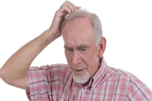 Người bị suy giảm trí nhớ thường khó nhớ chỗ cất các đồ vật dù rất quen thuộc