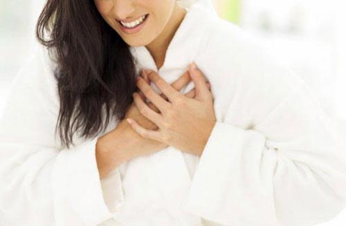 Thiếu máu cơ tim sẽ làm giảm chức năng co bóp cơ tim, gây ra bệnh lý thiếu máu cơ tim cục bộ, dẫn đến suy tim (Ảnh minh họa)