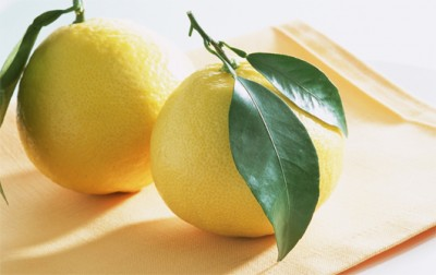 Các thành phần dưỡng chất trong quả bưởi có tác dụng rất tốt trong việc điều trị bệnh viêm nướu