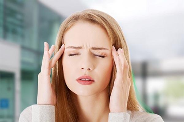 Bệnh đau đầu là gì và các thông tin bạn cần biết về căn bệnh này