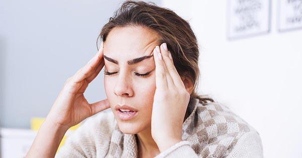 Đau đầu có thể do nguyên nhân máu lưu thông lên não kém