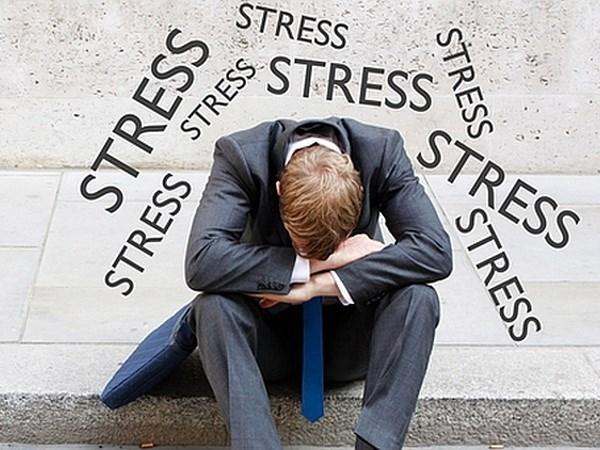 căng thẳng mệt mỏi cũng khiến tay chân nhức mỏi