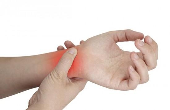 Đau tê vùng cổ bàn tay