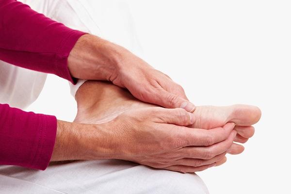 Chân bị nhức mỏi nên nghĩ đến bệnh gì? 1
