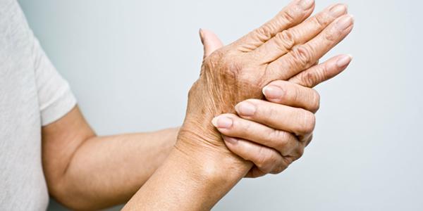 Đau mỏi tay chân có nên lo lắng không? 1