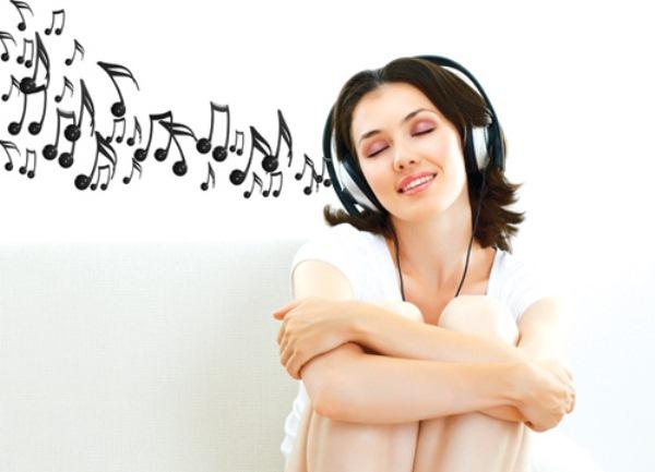 nghe nhạc thư giãn giúp cải thiện trí nhớ suy giảm