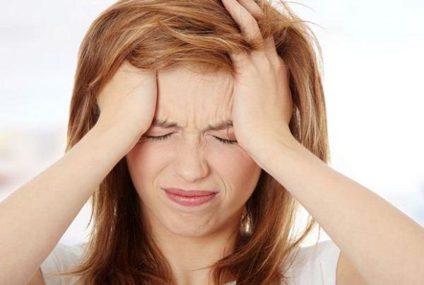 thiếu máu não là môt nguyên nhân gây đau đầu vùng trán
