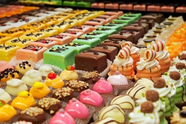 không nên ăn thực phẩm nhiều đường khi bị hoa mắt chóng mặt