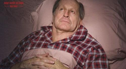 Mất ngủ người cao tuổi