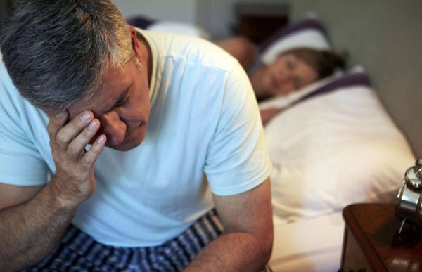 Ngủ không sâu giấc- Nguyên nhân và triệu chứng