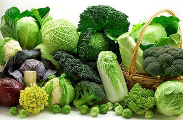 Người bị lưu thông máu kém cần ăn các loại rau giàu chất sắt và chất xơ