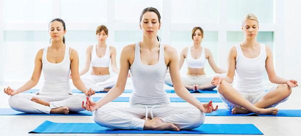 Tự chữa lưu thông máu kém bằng cách tập thiền, yoga