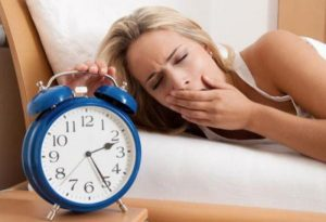 Ngủ không sâu giấc hay tỉnh giấc là bệnh gì, cách chữa trị?