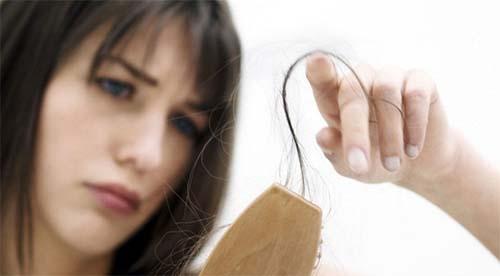 Máu xấu gây tóc bạc sớm, da dễ nổi mụn