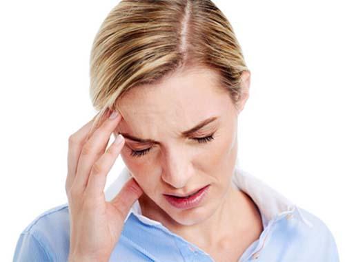 Người bị đau đầu thường xuyên dễ dẫn đến bệnh rối loạn vận mạch