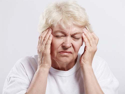 Bệnh thiếu máu não thường gặp ở người cao tuổi