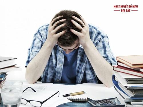Đau đầu căng thẳng thần kinh