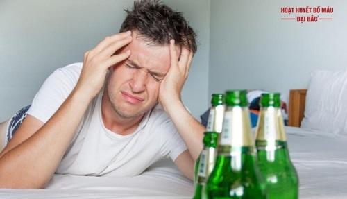 Đau đầu sau khi uống rượu phải làm sao