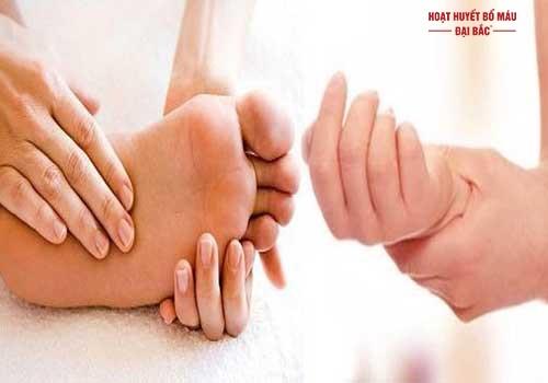 Hay bị tê mỏi chân tay là bệnh gì