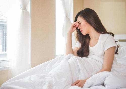 Sáng ngủ dậy bị chóng mặt là bệnh gì