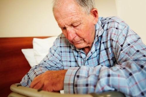 Bệnh teo não tuổi già có nguy hiểm không