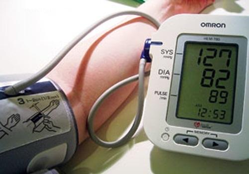 Cách đọc chỉ số huyết áp trên máy omron
