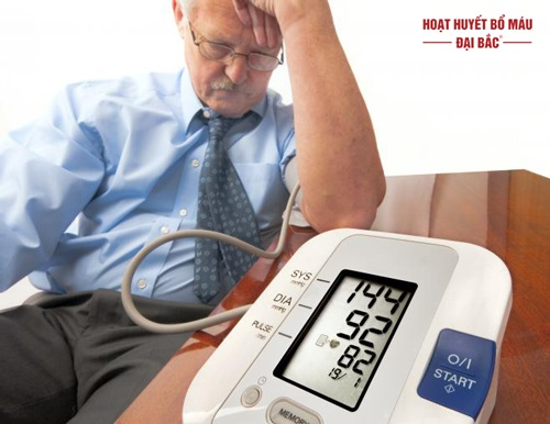 Nguyên nhân cao huyết áp ở người già