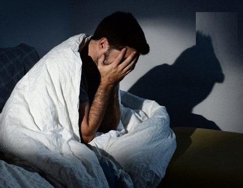 Nguyên nhân ngủ không sâu giấc hay nằm mơ