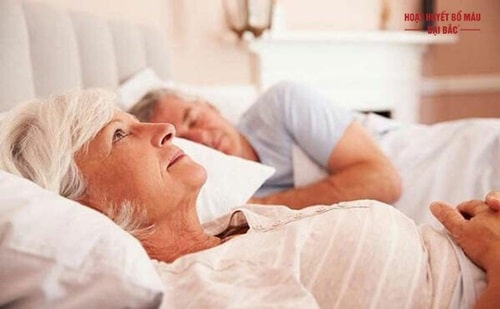 Tại sao ngủ không sâu giấc hay giật mình