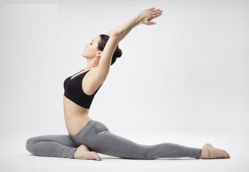 8 phút yoga cho giấc ngủ ngon