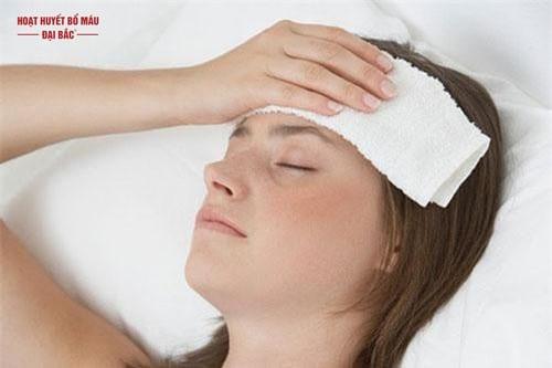 Bị đau đầu ở vùng trán