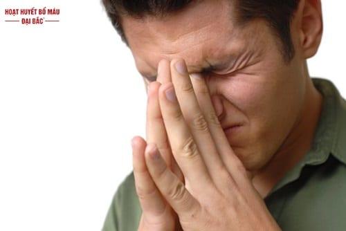 Đau đầu ở vùng trán hốc mắt