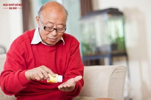 Người già mất ngủ nên uống thuốc gì