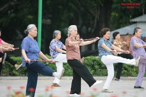 Cách phòng bệnh loãng xương ở người cao tuổi