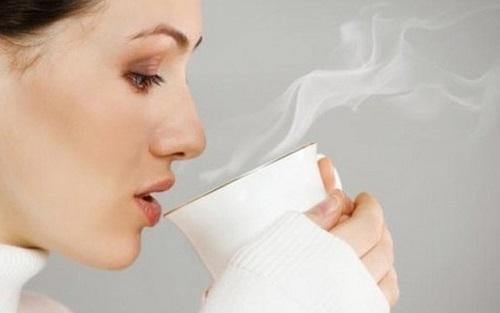 uống trà sữa có mất ngủ không